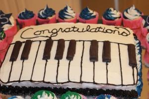 Piano congratulations cake