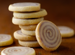cinnamon-bun-cookie-lots of swirls